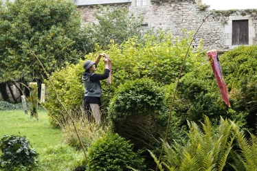Installation des Poissons volants dans l'abbaye